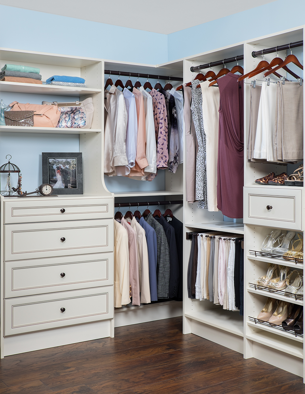 Walk In Closets That Are The Definition Of Organization: Walk-In Closet Design In Michigan