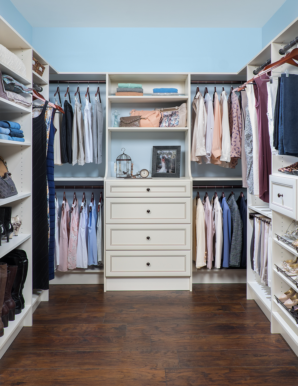 Walk in closet design in michigan custom closet installation - Pictures of walk in closets ...