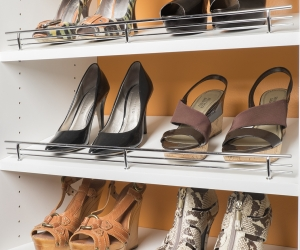 Chrome-Shoe-Fences-on-White-Shelves