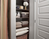 Linen-Bath-Shelves_Chocolate-Pear