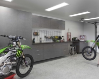 Pewter-Cabinets-Ebony-Star-Workbench-Silverado-Floor-2-Dirt-Bikes-May-2013