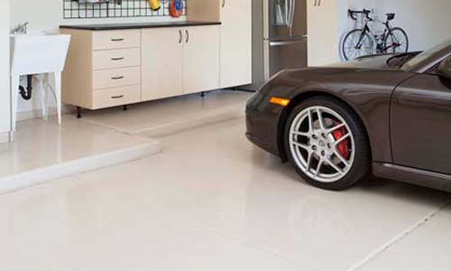 Maple-Garage-with-Work-Bench-frig-overhead-Porsche-2012