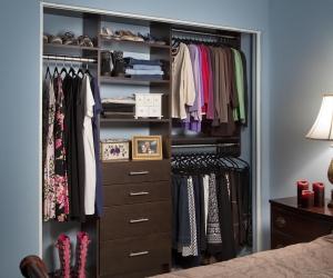 Modern-Reach-In-Guest-Closet